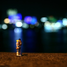 Last Kiss by Slinkachu